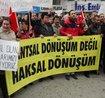 Kentsel dönüşüm mağdurları TOKİ ve belediyeye tepki için temsili tapu yaktı!