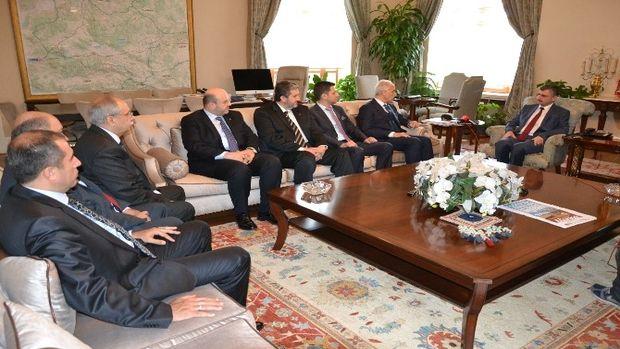 Vali Bektaş, Müsiad Genel Başkanı Olpaka Manisayı tanıttı!