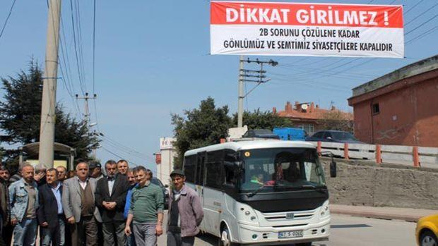 Zonguldak'ta 2b sorununa isyan eden mahalleli yolu siyasilere kapattı!