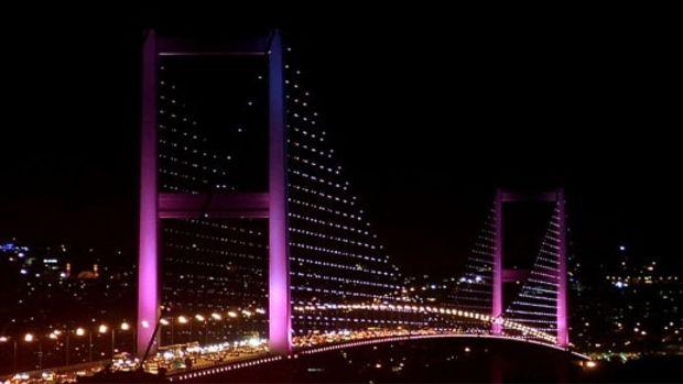 Boğaziçi Köprüsünün dekoratif aydınlatma sistemi sökülüyor!