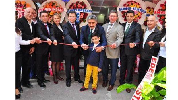 Başkan Alıcık, yeni iş yerinin açılış kurdelesini kesti!