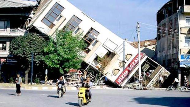 20 milyon konut, kamu binası ve fabrika deprem tehditi altında!