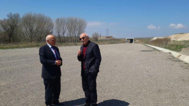 AK Partili adaylar Yozgatta hızlı tren çalışmalarını inceledi!