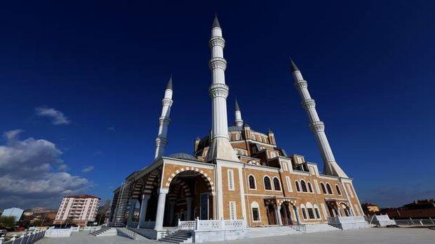 Selimiye Camii'nin benzeri Çorum'da inşa edildi!