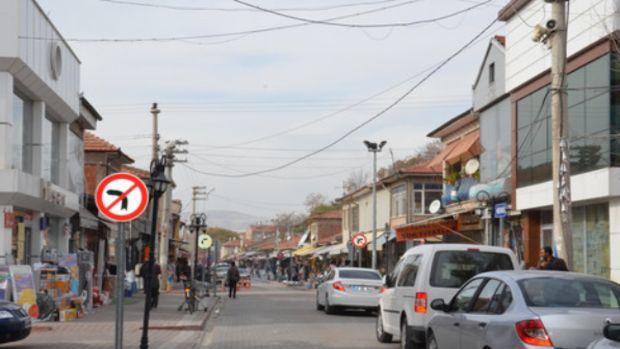 Kırşehir Uzun Çarşı sorunlarına çözüm bekliyor!