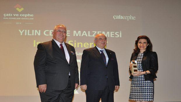 Trakya Cam 'Yılın Cephe Malzemesi' ödülünü aldı!