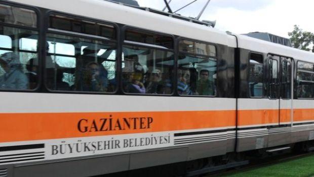 28 tramvay Gaziantepte çürümeye terk edildi!
