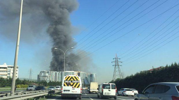 İstanbul Yenibosna'da inşaat halindeki otelde yangın çıktı!