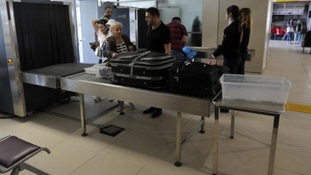 Cengiz Topel Havalimanından uçak seferleri tekrar başladı!