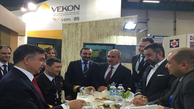 Milli Savunma Bakanı İsmet Yılmaz Vekonun standını ziyaret etti!