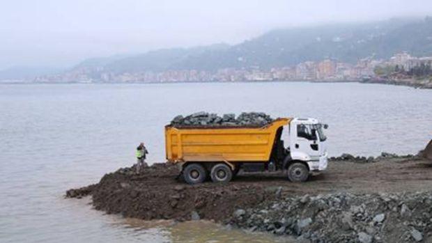 """Rize'de """"Külliye Projesi"""" için deniz dolgusu başladı!"""