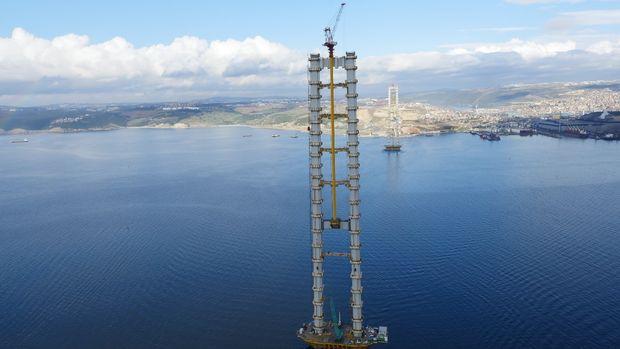 İzmit Körfez Geçiş Köprüsü'nün kuleleri tamamlandı!