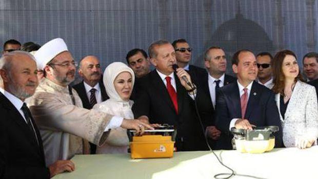 Cumhurbaşkanı Erdoğan Tiran Camii'nin temel atma törenine katıldı!