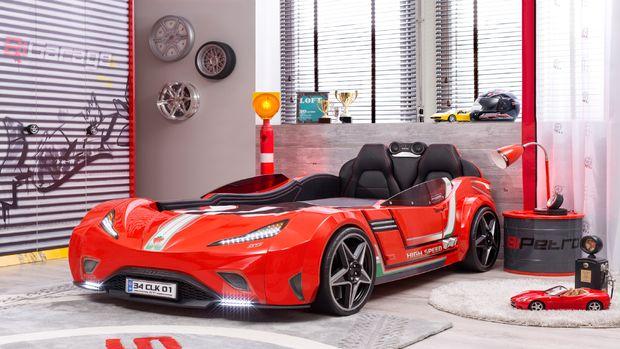 Çilek'ten son model araba karyola!