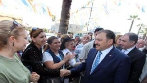 Bakan Eroğlundan gençlere stat, emekliye konut sözü!