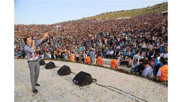 Türkiyenin en büyük parkında aynı anda 50 bin kişi yürüdü!