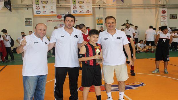 'FerYapı Asya Basketbol Ligi' sezonu 19 Mayıs şenlikleriyle kapattı!