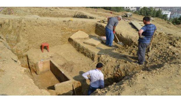 Gemlikte 2 bin 200 yıllık lahit bulundu!