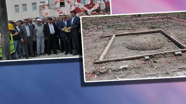 Kütahyada CHP adayı Kasap Bakan 200 kişilik kız yurdu için 5 metrekarelik alana temel attı!