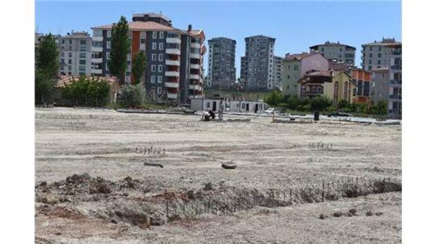 Uşaktaki projelerde binalar yükselmeye başladı!