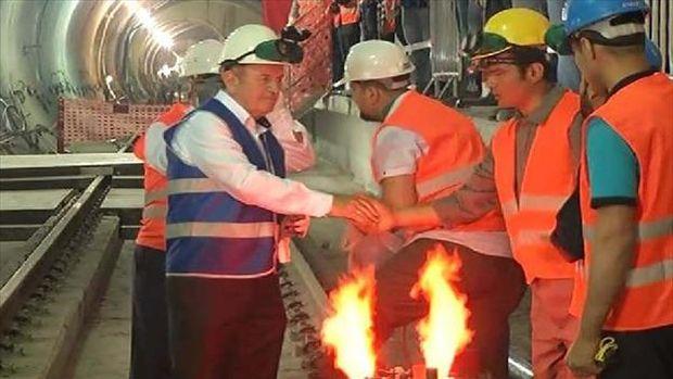 Topbaş, Üsküdar-Sancaktepe Metrosuna ilk kaynağı yaptı!