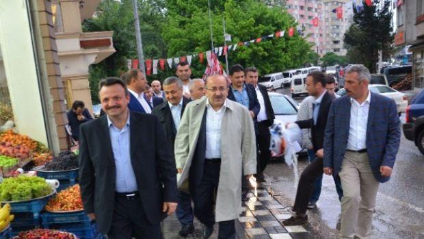 Başkan Gümrükçüoğlu Çukurçayır Mahallesini ziyaret etti!
