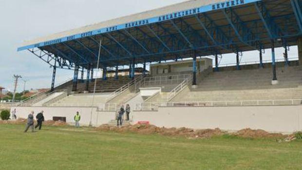 Karacabey Stadyumu 1 aya hazır!