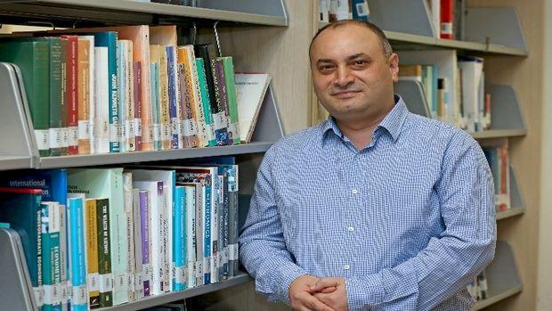 Doç. Dr. Halaç: Türkiyede ekonomik kriz çıkmaz!