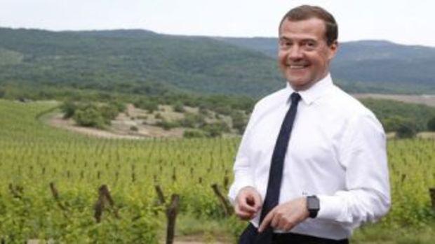 Medvedev: Kırımın Rusya ile entegrasyon süreci tamamlandı!