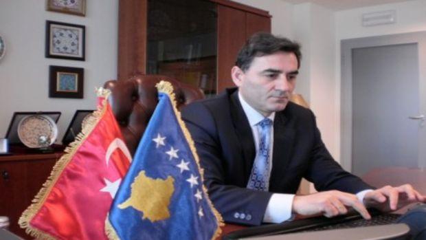 Eğitim Bir Sen heyeti Kosova Kamu Bakanı Mahir Yağcılar ile görüştü!