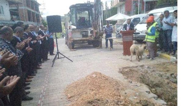 Sarıvelilerde içme suyu isale hattı inşaatının temeli atıldı!