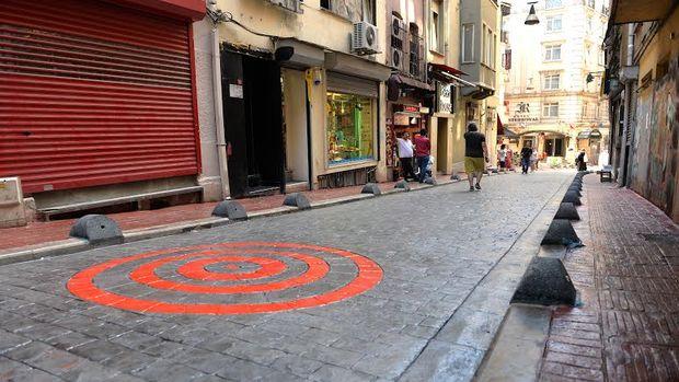 Beyoğlu'nda sokaklar yenileniyor!