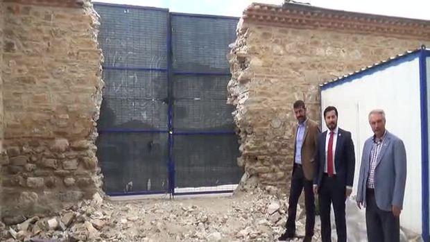 Yıkılan duvar 435 yıllık değilmiş!