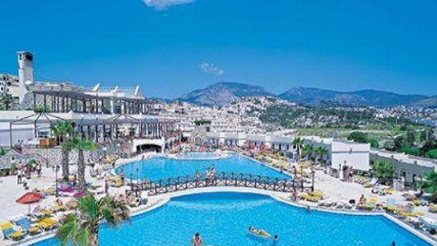 Turizmci otelleri doldurabilmek için çareyi fiyat düşürmekte buldu!