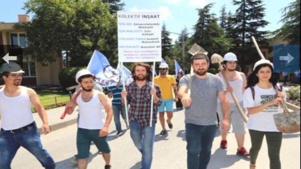 Üniversite öğrencilerinden tiyatrolu inşaat protestosu!
