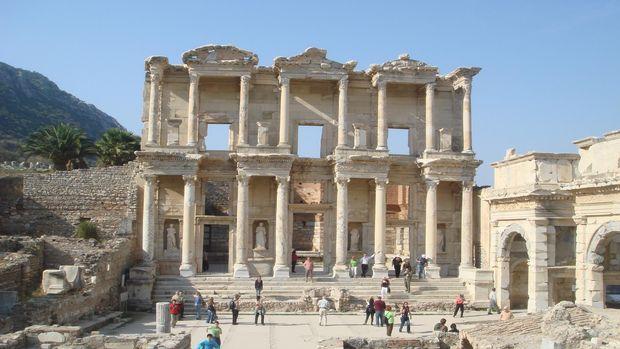 Efesin ziyaretçileri karardan memnun!