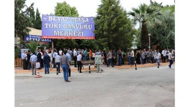 Yunusemre'de bin 500 konuta 8 bin kişi başvurdu!