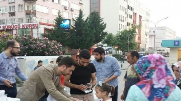 Ak Parti Osmangazi Gençlik Kollarından  İftara Beş Kala  Projesi!
