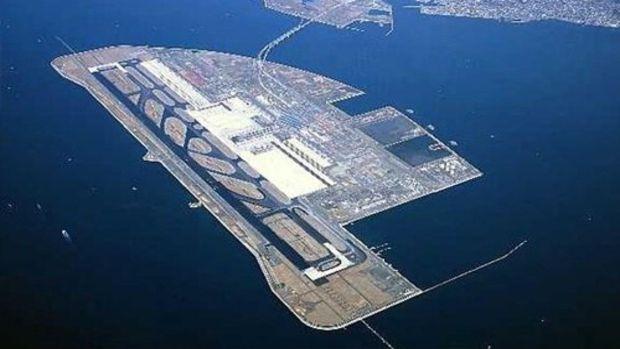 Deniz üzerindeki Ordu- Giresun Havalimanına ilgi artıyor!
