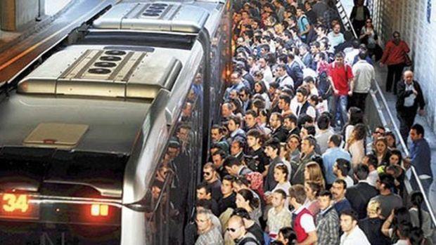 İstanbulda Toplu Taşıma Araçları 24 Temmuz'a Kadar Ücretsiz!
