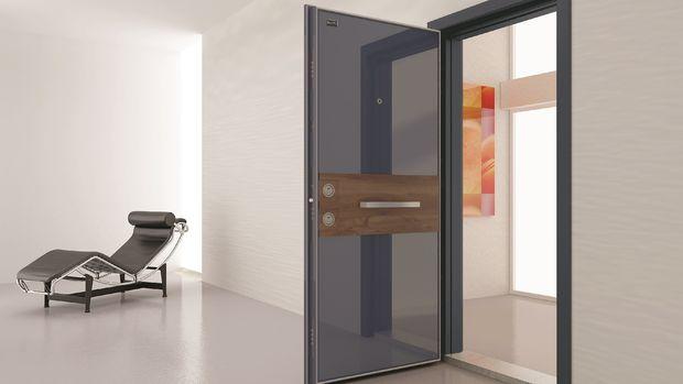 Sur Çelik Kapı Alya Serisini Görücüye Çıkardı
