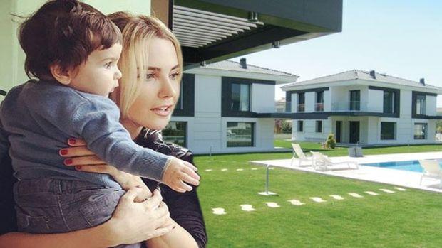 Ece Erken Alaçatı'daki Evini Satışa Çıkardı