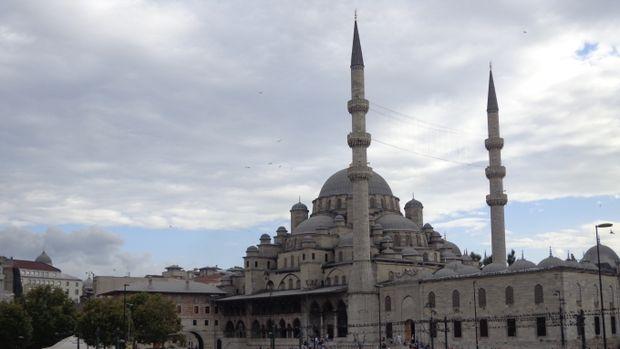 Eminönü'ndeki 351 Yıllık Tarihi Cami Yenileniyor