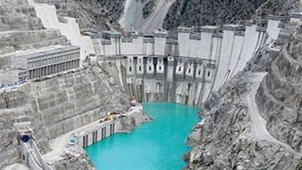 Türkiye'nin En Yüksek Kemer Barajında Yol Yarılandı
