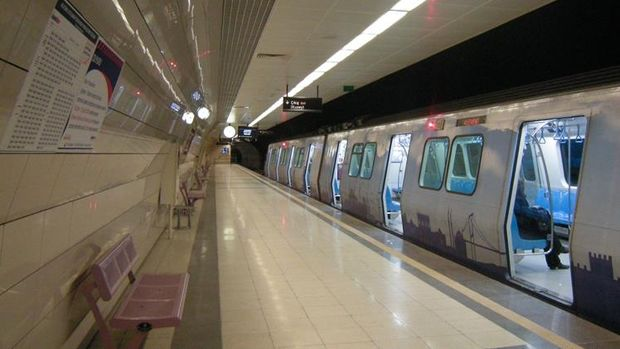 Üsküdar Çekmeköy Metro Hattının Vagonları Raylara İndi