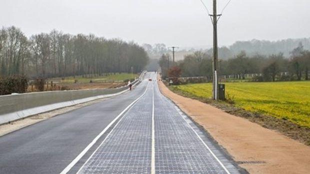 Dünyanın Güneş Enerjili İlk Yolu Trafiğe Açıldı