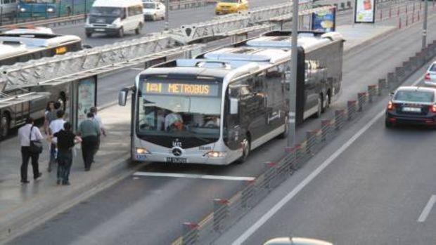 Büyükçekmece Tüyap Metrobüs Durağının Yanına Otopark Geliyor