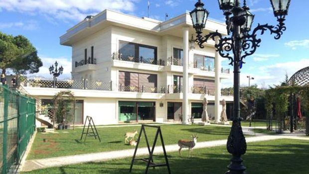 Evlat Kokusu Dizisinin Çekildiği Villa