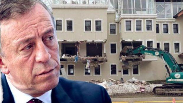 Ağaoğlu'nun Uludağ'daki Oteli Yıkılıyor
