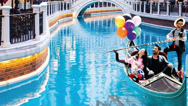 Venezia Mega Outlet Alışveriş Karnavalı Devam Ediyor